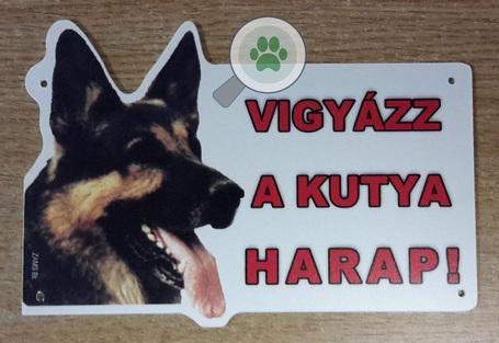 Vigyázz a kutya harap! – Németjuhászt ábrázoló figyelmeztető tábla